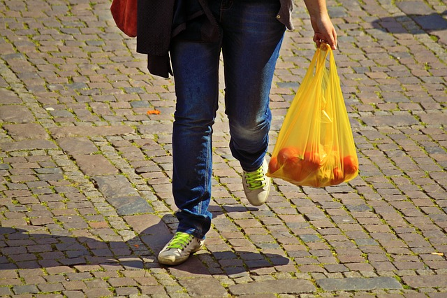 German consumers say goodbye to plastic bags. Photo Pixabay