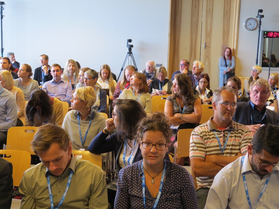 The participants from all over Europe listened the interesting discussions.
