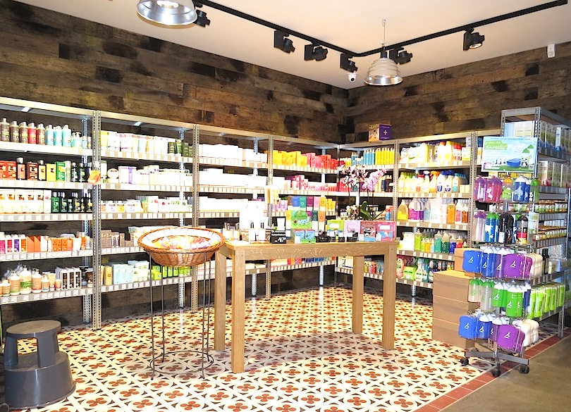 Natural & organic Cosmetics in a Berlin specialised organic shop.