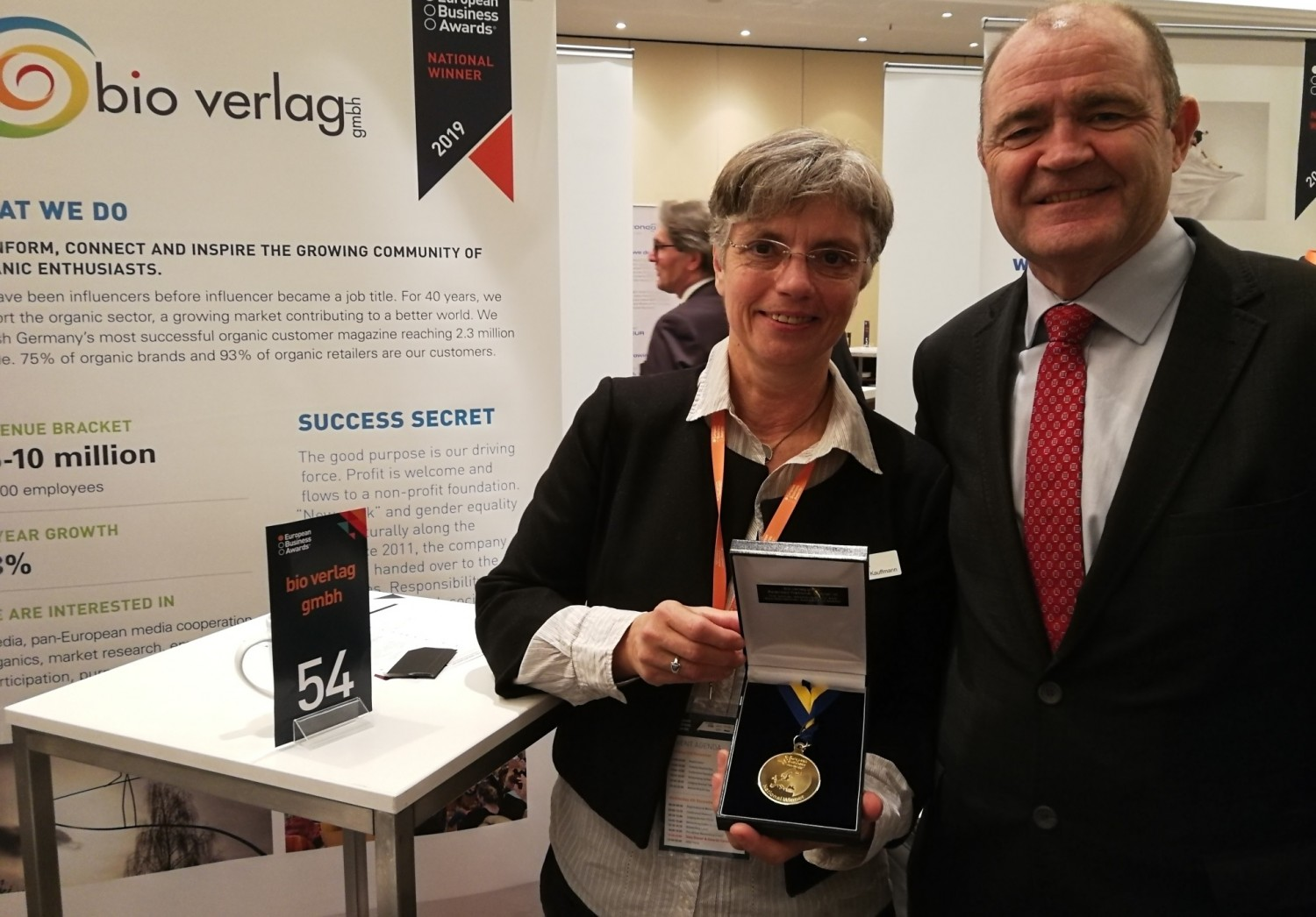 "Sabine Kauffmann, manager of bio verlag, was presented with the ""National Winner"" award by Tony Kely, Chairman of the Jury, at the awards ceremony in Warsaw."