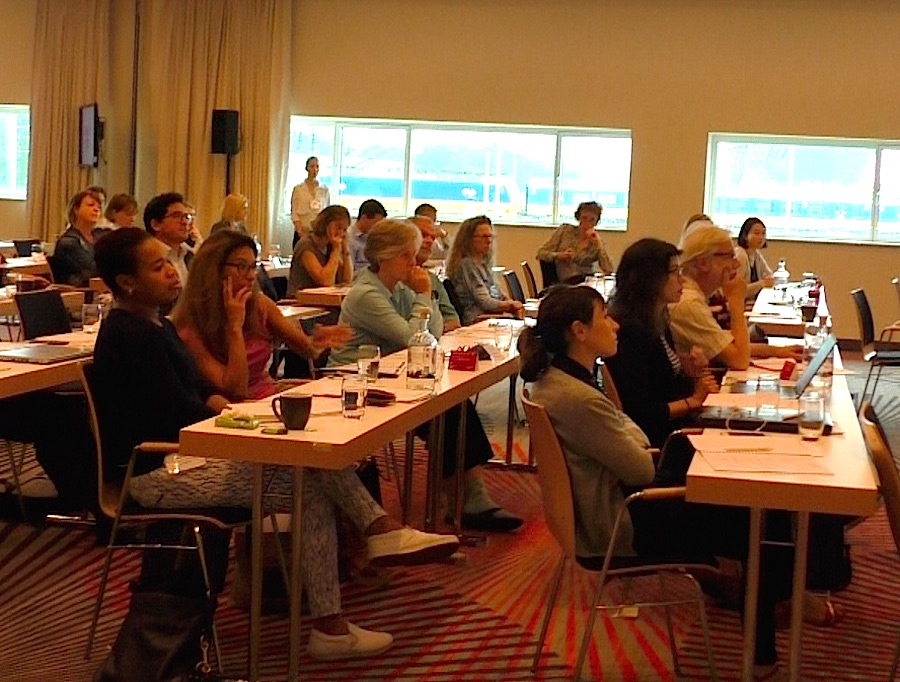 The participants from all over Europe listened the interesting discussions. Photo © Karin Heinze